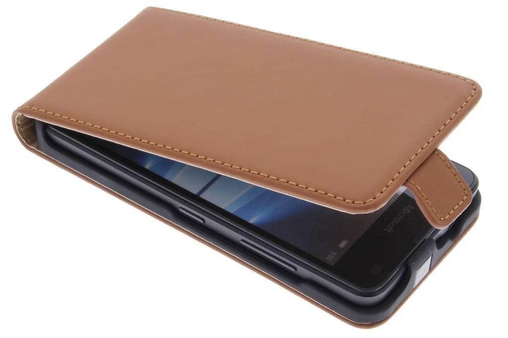 Selencia Luxe Flipcase voor de Microsoft Lumia 550 - Bruin