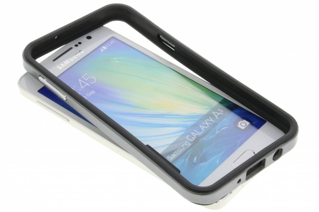 Grijze bumper voor de Samsung Galaxy A3