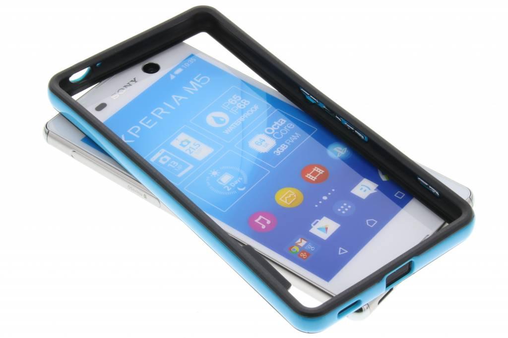 Blauwe bumper voor de Sony Xperia M5