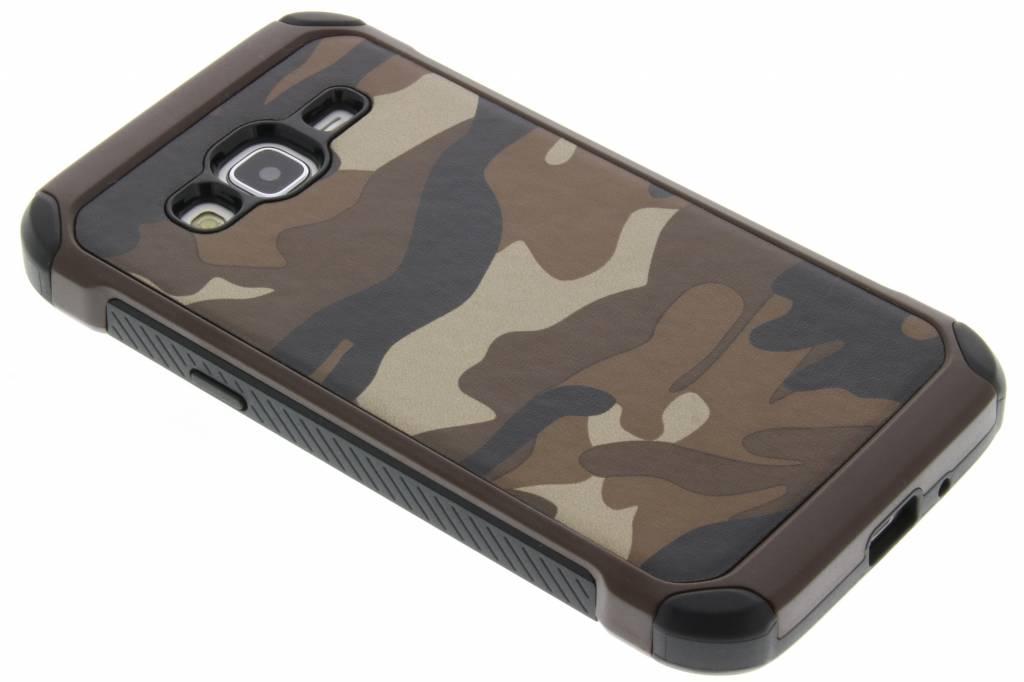 Bruin army defender hardcase hoesje voor de Samsung Galaxy J3 / J3 (2016)