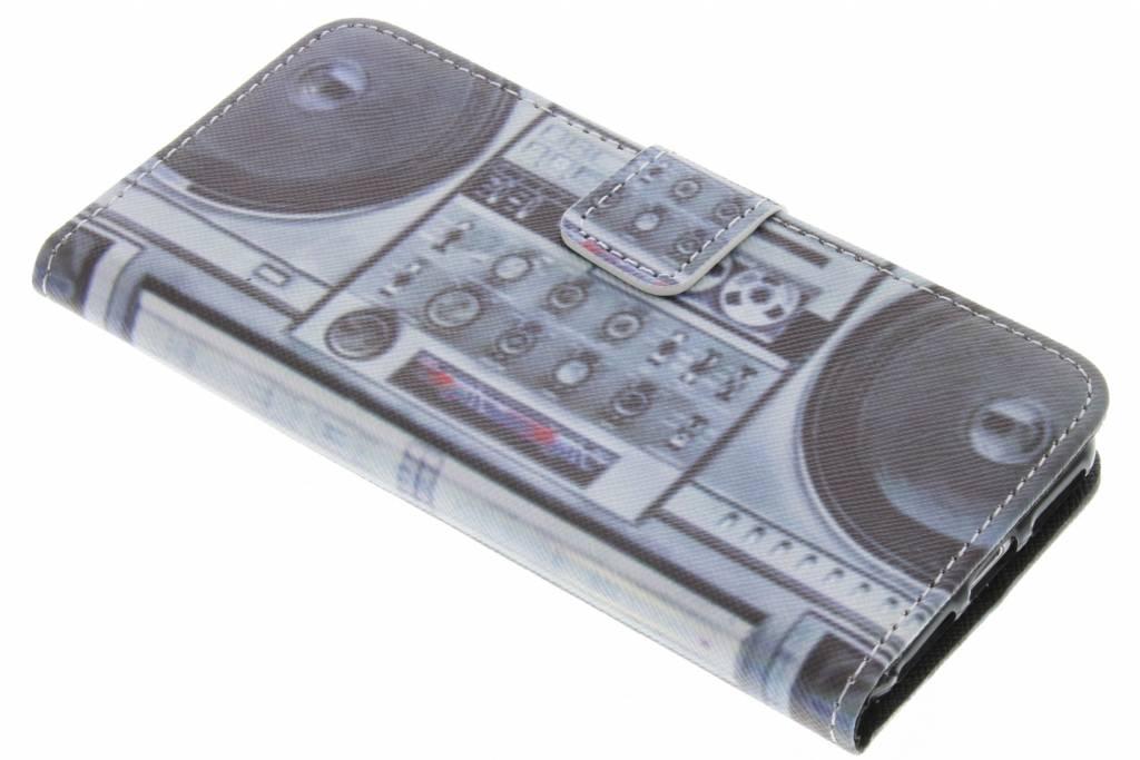 Radio design TPU booktype hoes voor de iPhone 7