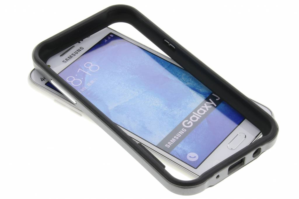 Grijze bumper voor de Samsung Galaxy J5