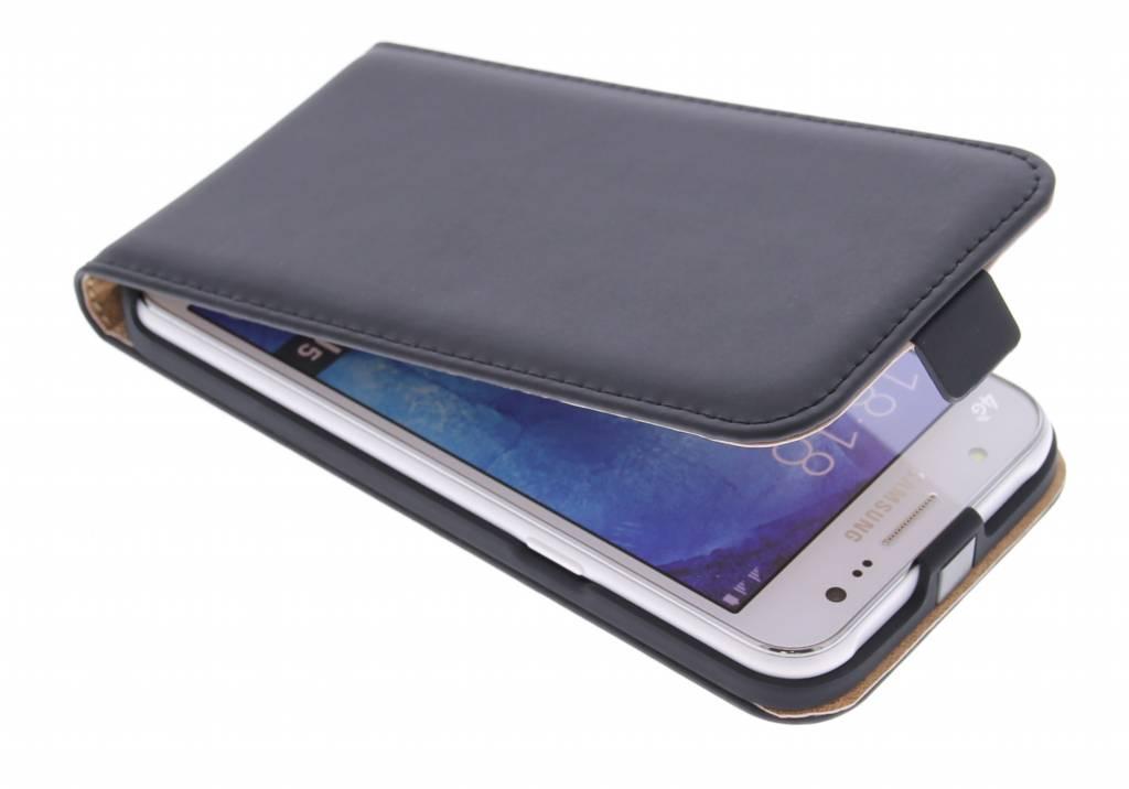 Selencia Luxe Flipcase voor de Samsung Galaxy J5 - Zwart
