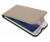 Selencia Goud Luxe lederen Flipcase Samsung Galaxy J7