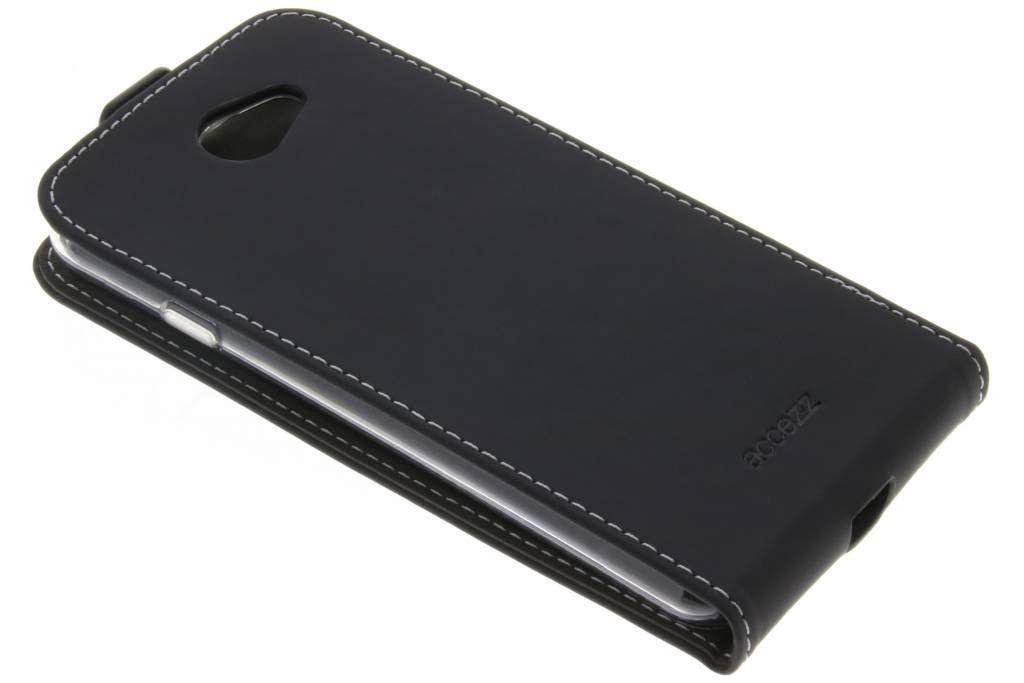 Accezz Zwarte TPU Flipcase voor de General Mobile GM6