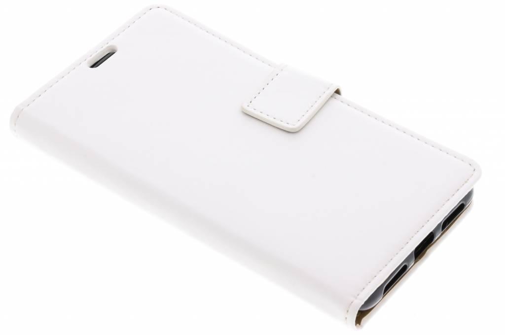 Witte basic TPU booktype hoes voor de Asus ZenFone 4 Max ZC520KL
