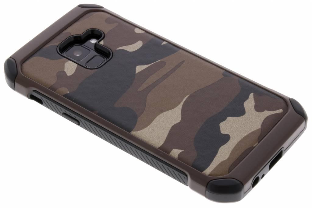 Bruin army defender hardcase hoesje voor de Samsung Galaxy A8 (2018)
