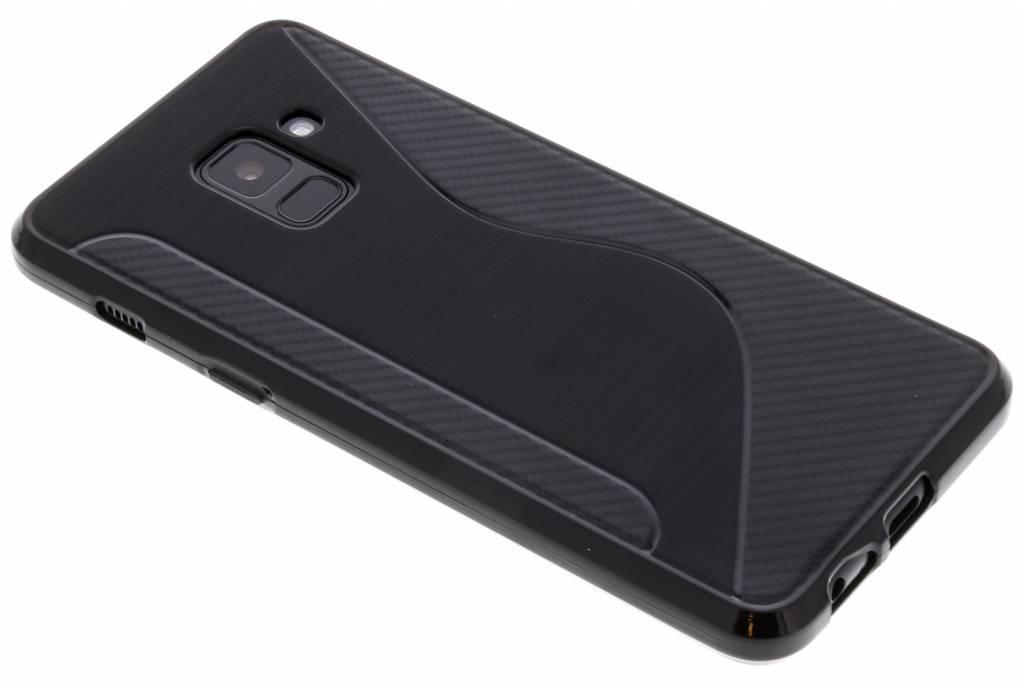 Zwart S-line TPU hoesje voor de Samsung Galaxy A8 (2018)