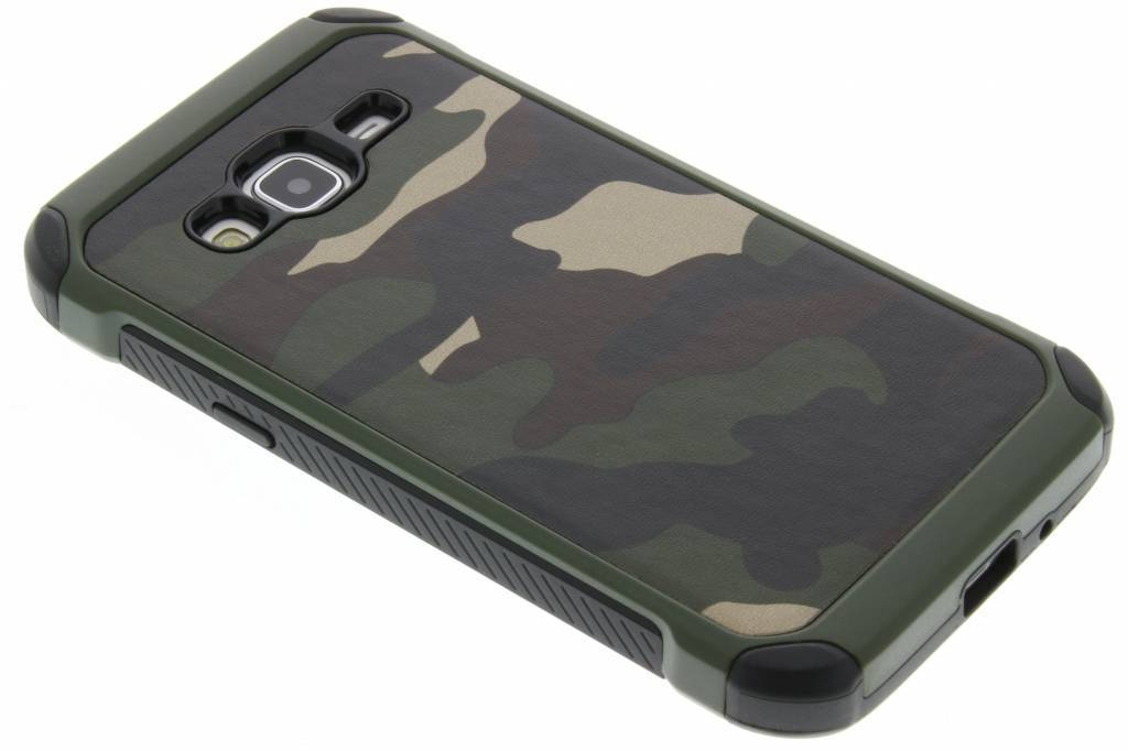 Groen army defender hardcase hoesje voor de Samsung Galaxy J3 / J3 (2016)