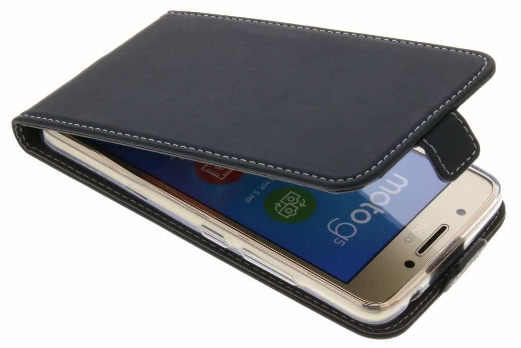 Accezz Zwarte TPU Flipcase voor de Motorola Moto G5