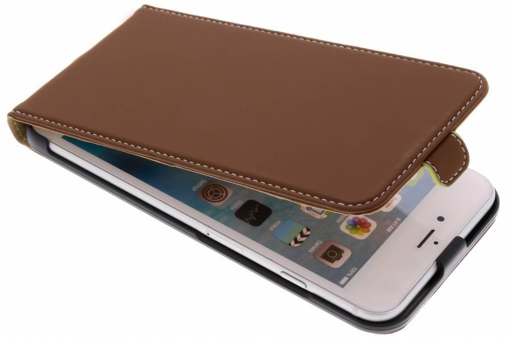 Bruine Slim Flipcase voor de iPhone 6(s) Plus