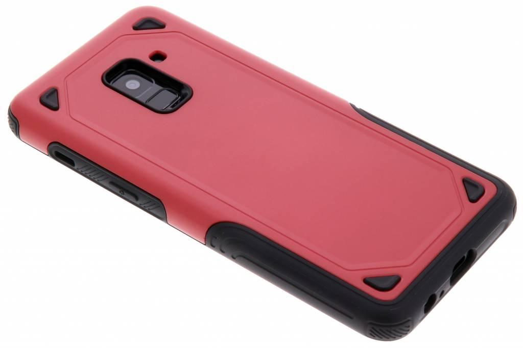 Rood Rugged hardcase hoesje voor de Samsung Galaxy A8 (2018)