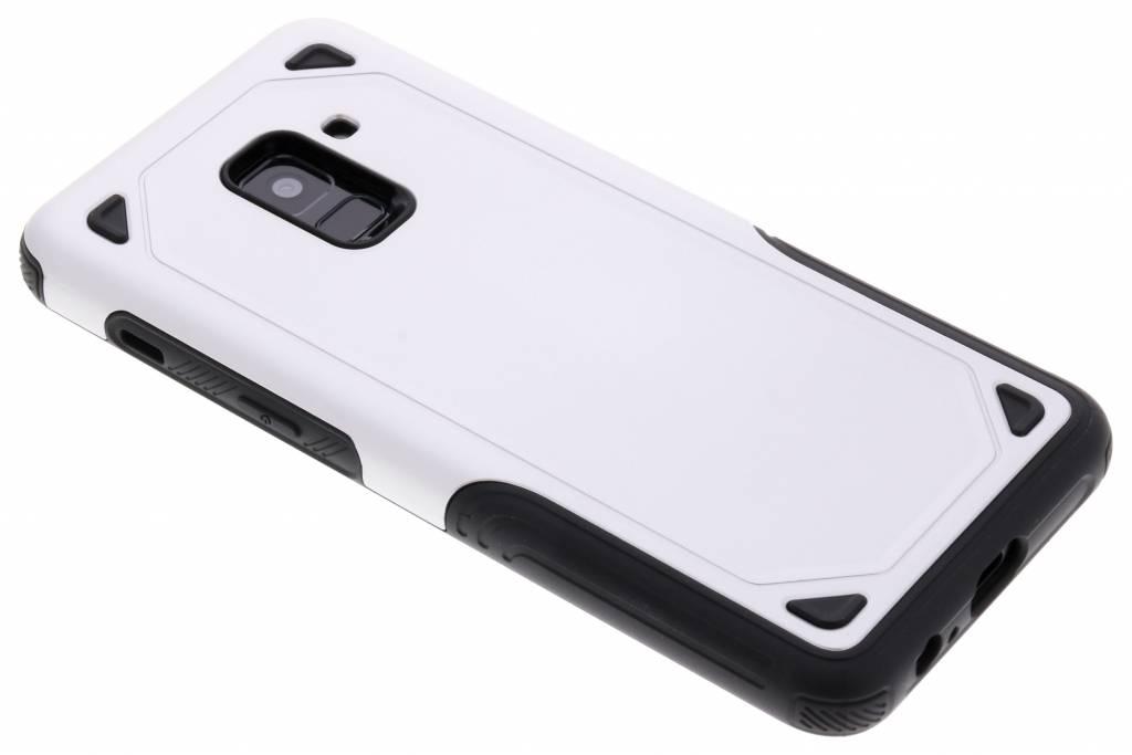 Zilver Rugged hardcase hoesje voor de Samsung Galaxy A8 (2018)