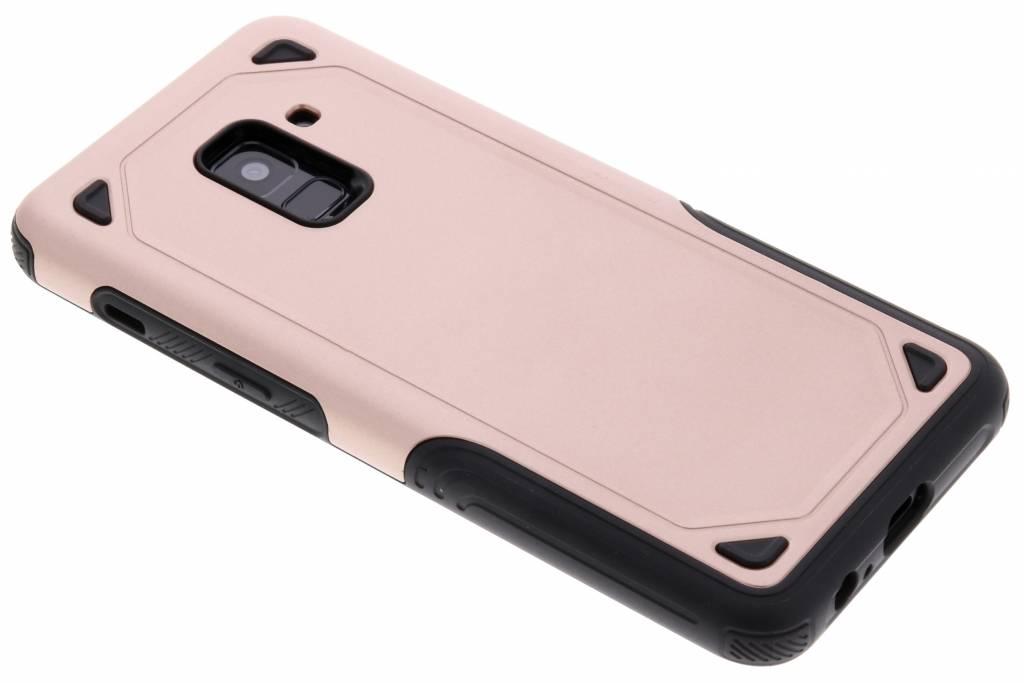 Rosé Goud Rugged hardcase hoesje voor de Samsung Galaxy A8 (2018)