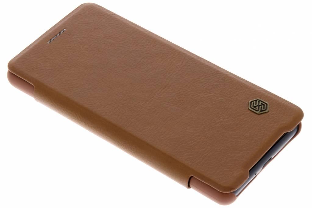 Nillkin Bruine Qin Leather slim booktype voor de Sony Xperia XZ2 Compact