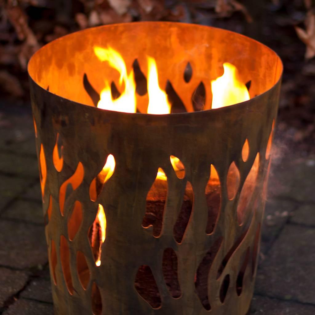 esschert-design-vuurkorf-vlammen-roest.jpg