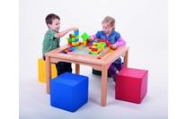 LEGO Spieltisch mit Stühlen / Schaumstoffwürfeln