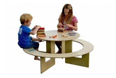 Kindertisch mit Bank