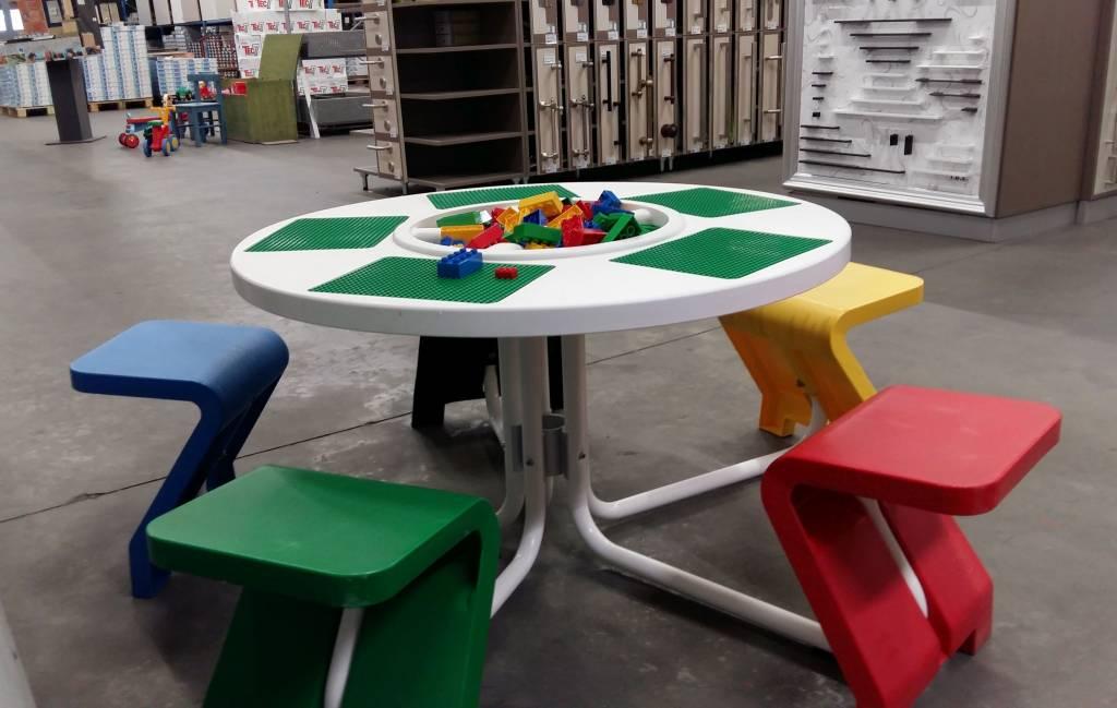 Lego tisch gebracht kaufen zweitehand lego spieltische for Tisch gebraucht