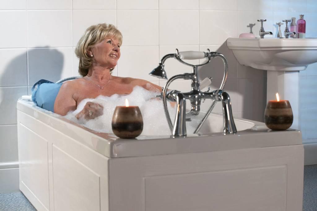 Opblaasbaar Bad Badkamer : Opblaasbare badlift om extra te genieten van uw bad zorgwinkel