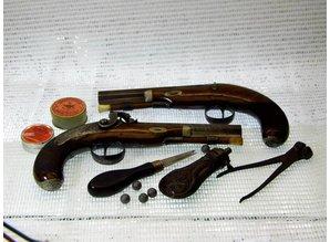 ANTIEKE DUELLEER PISTOLEN  Percussie zwart kruit pistolen