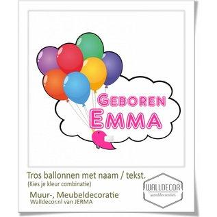 Walldecor Geboortesticker op raam met tros Ballonnen en natuurlijk de naam van de Baby.