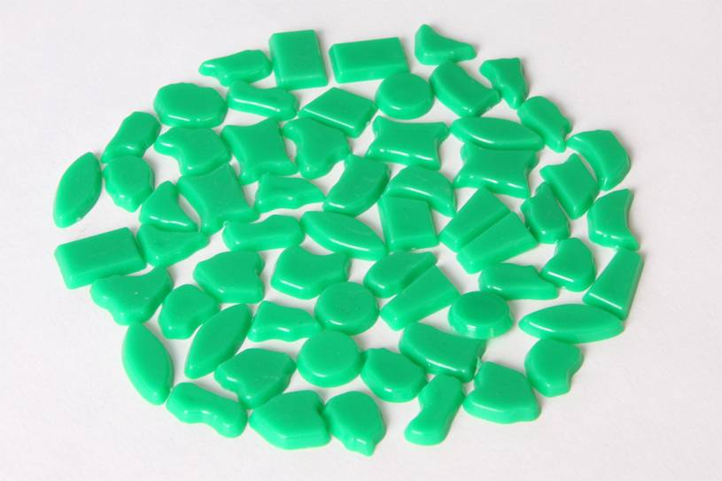 Kunststof mozaieksteentjes ca. 70 gram DONKERGROEN