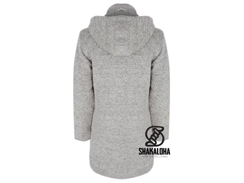Shakaloha Cody LichtGrijs dames middel lang gevoerd schapen wollen dames vest met houtjetouwtje sluiting