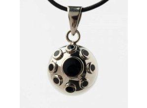 Babylonia Zwangerschapsketting verzilverd zwart steentjes bloem