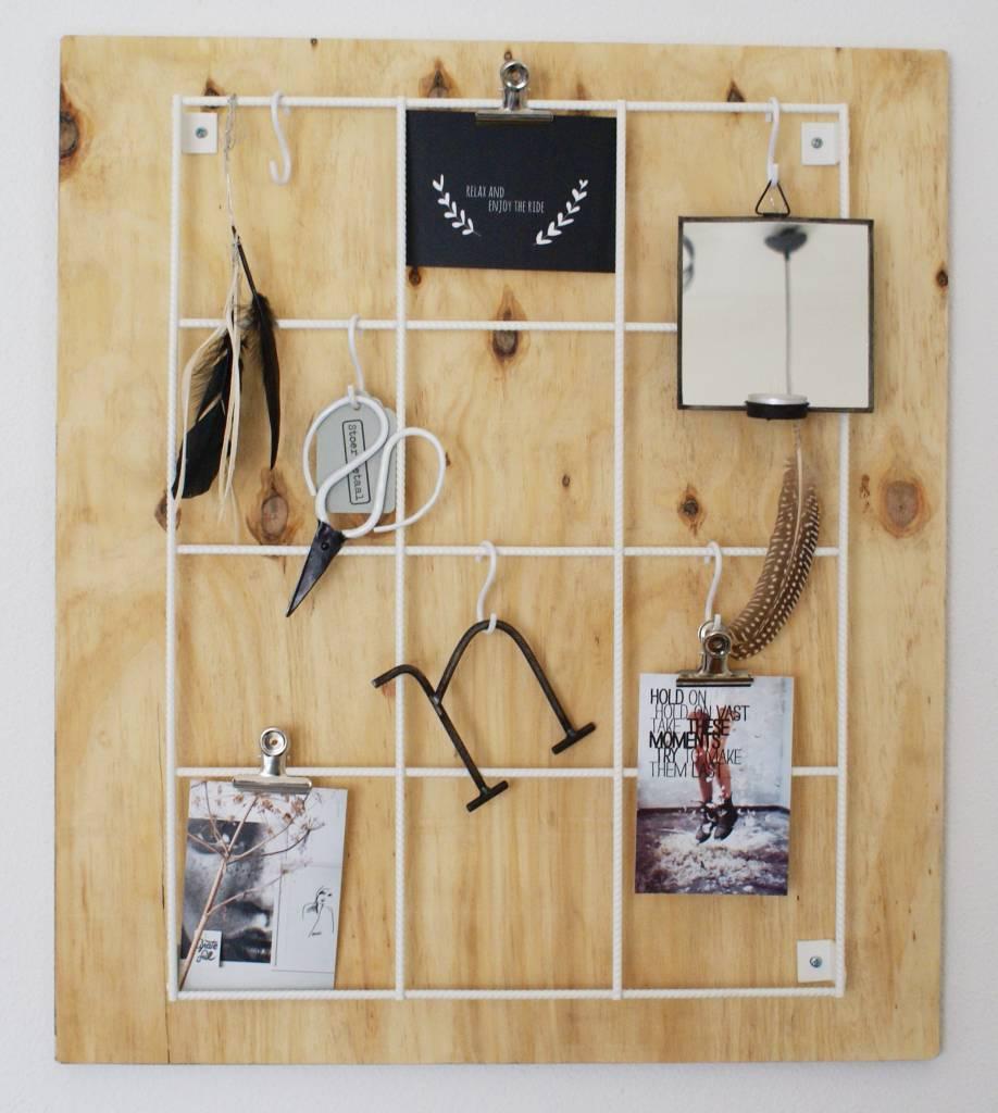 Stoer Metaal show rack wall rack, white