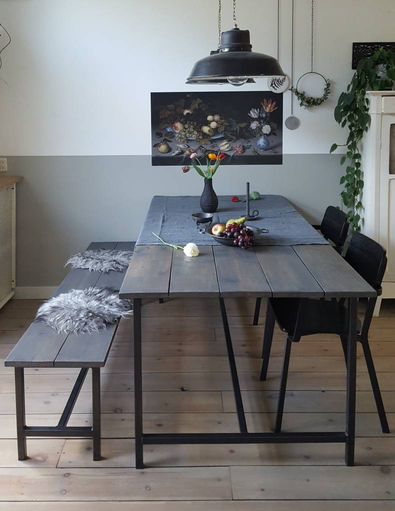 Stoer Metaal dining table with wooden scaffolding sheet