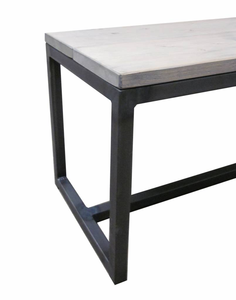 Stoer Metaal bank met ijzeren onderstel en houten zitting Stoer23