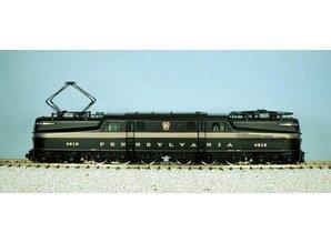 USA TRAINS GG1 Pennsylvania grün mit 5 Goldstripes (Ganzmetallmodell)