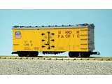 USA TRAINS Outside Braced Reefer Union Pacific