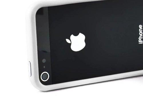 Бампер для iPhone 5 защитный чехол Белый