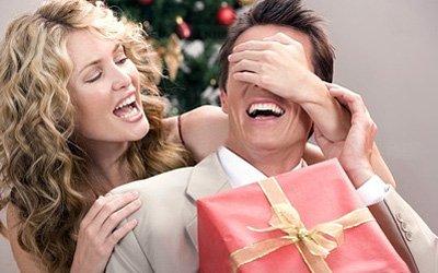 ТОП 10 подарков для мужчин на Новогодние праздники