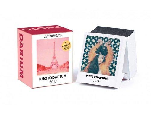 PHOTODARIUM 2017 Календарь Полароид