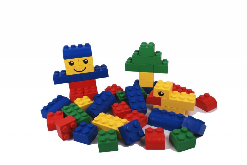 grandes briques de lego. Black Bedroom Furniture Sets. Home Design Ideas