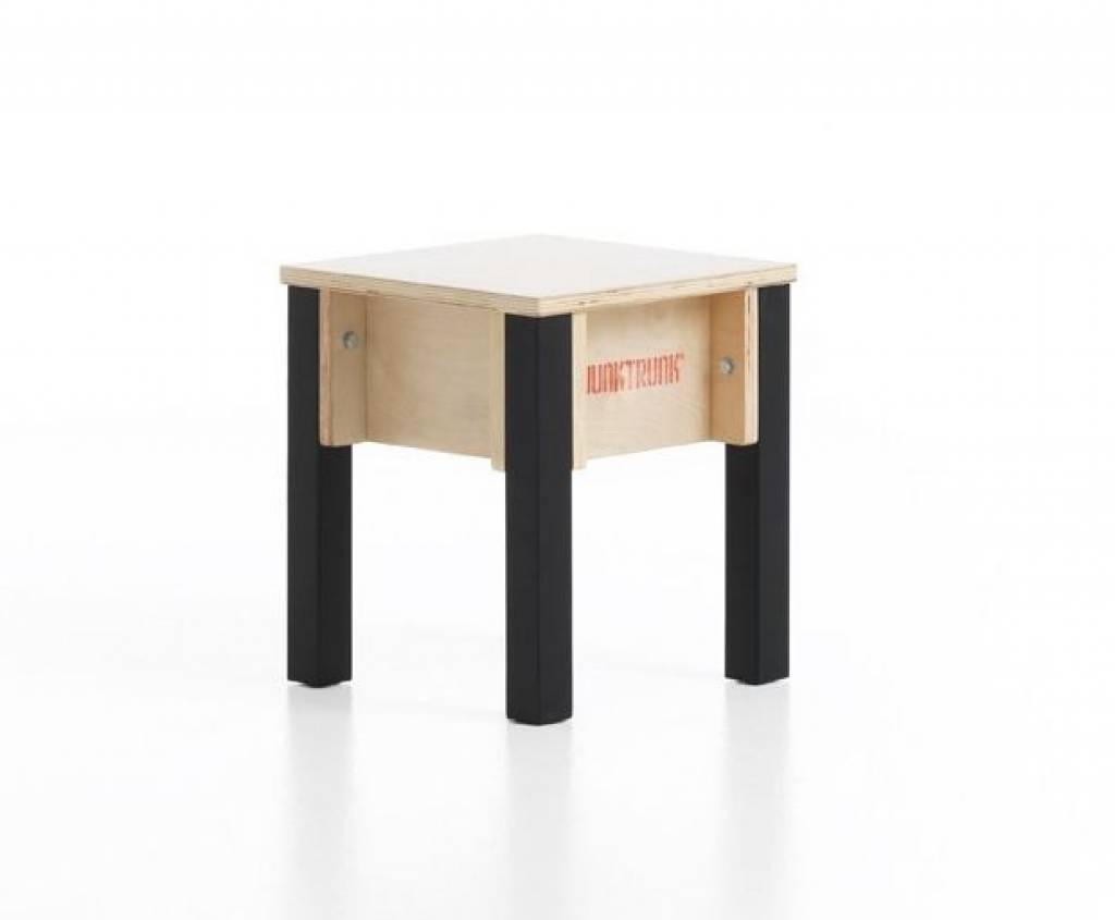 tabouret pour enfant petit tabouret en bois. Black Bedroom Furniture Sets. Home Design Ideas