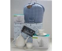 """High Tea Kerstpakketten """"Theebeurs met Blauwe Ruit"""" breukvoorkomend verpakt met papierwol in een blauwe geschenkdooo!"""