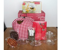 """High Tea Kerstpakketten """"Theebeurs Boeren bont rood ruitje"""" breukvoorkomend verpakt met papierwol in een rode kerstdoos!"""