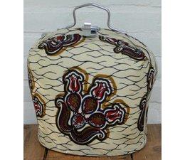 Design Theebeurs gemaakt van echte Batik stof met beige ondergrond en bruine en zwarte accenten!