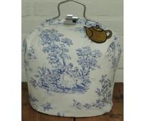Design Tee-Messe in weiß mit einem blauen Fee Motiv