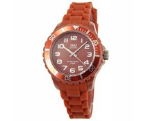 Goedkope horloges kopen? Trendy Q en Q horloge (waterdicht tot 5 bar) in de kleur bruin met 1 jaar garantie op het uurwerk)