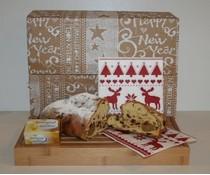 Коледен щолен с пълна закуска с месо, масло и луксозни салфетки (опаковани в кутия за подарък)