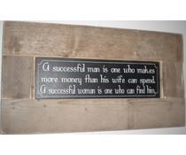 """Große Schrift Platte mit einer Liste von Gerüstholz mit Thema """"Ein erfolgreicher Mann"""" (Größe 30 x 80 cm)"""