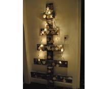Design Kerstboom gemaakt van hout, plat model (afmeting ca. 185 cm hoog en 100 cm breed)