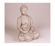 Buddha-Statue sitzt
