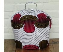 Design Theebeurs gemaakt van speciale Batik stof (witte ondergrond met de kleuren zwart, bruin en roze)