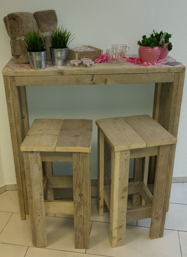 Bar table with two matching stools wood scaffold bar for Table bar 85 cm